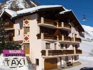 1 bedroom Apartment in Samnaun, Engadine, Switzerland : ref 2285748