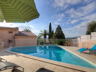 4 bedroom Villa in Bormes-les-Mimosas, France - 5699924