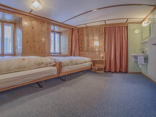 4 bedroom Apartment in Saas Fee, Valais, Switzerland : ref 2285519, Saas-Fee