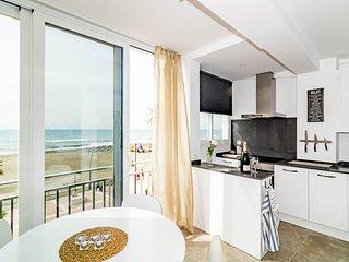 Modern front line 1 bedroom front line beach-ELG