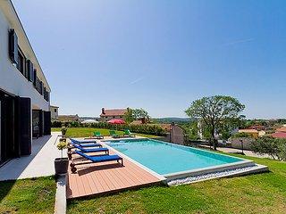 3 bedroom Villa in Porec Visnjan, Istria, Croatia : ref 2284218