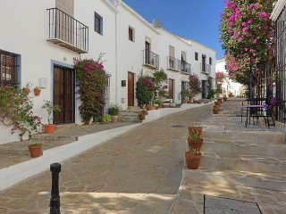 Beautiful townhouse located in the Andalusian style complex of El Naranjal-ELN, Puerto Banús