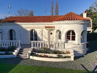 2 bedroom Villa in Saint-Palais-sur-Mer, Nouvelle-Aquitaine, France : ref 502560