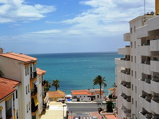Cozy apartment with lovely sea views near the beach, Arroyo de la Miel
