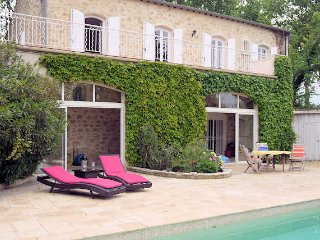Pezenas villa for holidays in the South of France with pool and large gardens