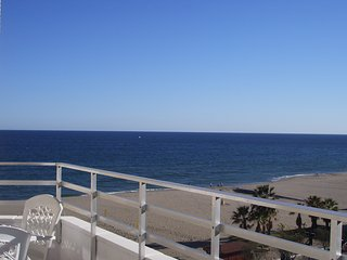 RONDA 3 BEACH SELF-CATERING APARTMENT