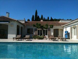 Villa Contemporaine a Saint-Remy-de-Provence, piscine privee et jardin, au calme