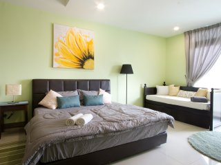 Royale Homestay Shamrock Studio at KSL City