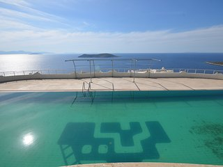 Bodrum Gumusluk Apartment With Shared Swimming Pool # 381