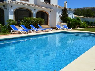 Villa Guatavita with AIR CONITIONED Master bedroom and 2 Twin rooms with fans, Javea