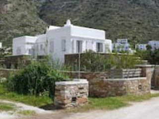 A beach Villa, 1minute from the sea, ideal for 2 familes to stay together