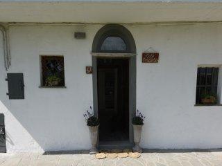 Casa ottocentesca immersa nel verde e nella tranquillita della campagna monregal