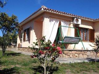 Villa indipendente per 8 persone con 3 camere da letto e 2 bagni.