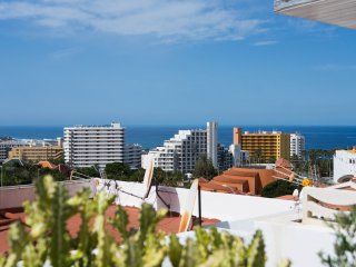 Nice 2 Bed Apartment with ocean view
