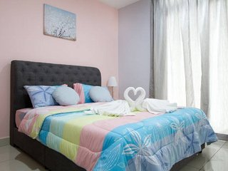 Royale Homestay Flamingo Studio at KSL City, 4pax (FREE WiFi)