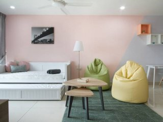 Royale Homestay Citadel Apartment at KSL City