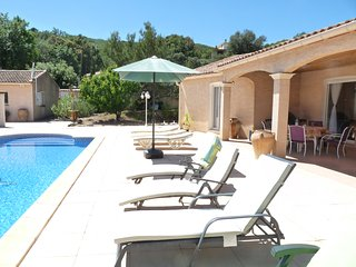 Les Olivettes, villa with guest house in picturesque setting, walk to village