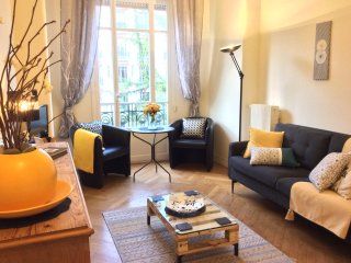 Central, homely & charming 50m2 apartment wth period features. 5mins to beach.