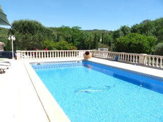 The Guest House, Self contained house  with pool