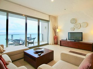 Dasiri Northpoint Luxury Beachfront 2BR Condo