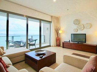 Dasiri Northpoint Luxury Beachfront 2BR Condo, Pattaya
