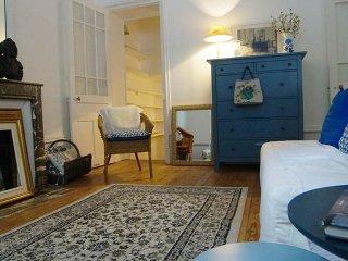 Appartement de charme ancien dans un immeuble classe du 19eme siecle