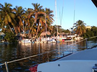 Florida Keys Sailing on Conch Key. Bayfront 2 BR cottage with 23 foot Sailboat