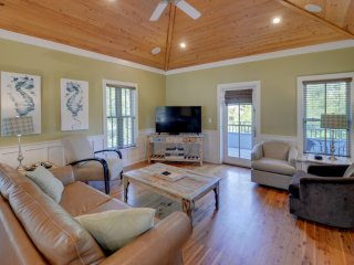 Home near Beach w/ Free WiFi, Flatscreen TV, Private Porches & Communal Pool