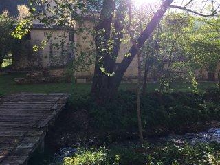 Casale Maggi, ponte su fiume Menotre