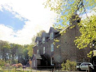 Glenaros House