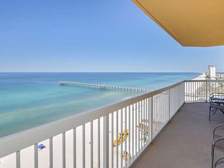 Fabulous 3 bedroom 3 bath BEACH condo from $125 a night!