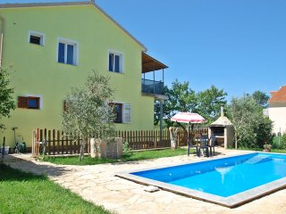 """Holiday family apartment with private pool """"ARMIN"""""""