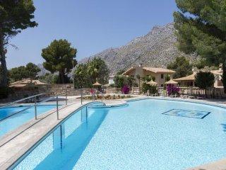 6 bedroom Villa in Cala Sant Vicente, Mallorca, Mallorca : ref 2367657