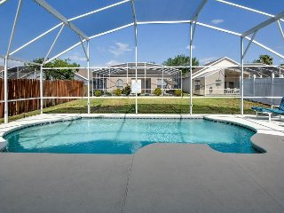 FREE POOL HEAT: 4 Bedroom Home with 2 Master Suites