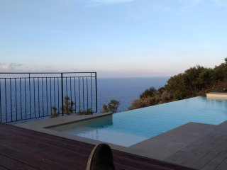 INFINITY POOL IN EXCLUSIVE  only x 2 Lovers ...of nature ....