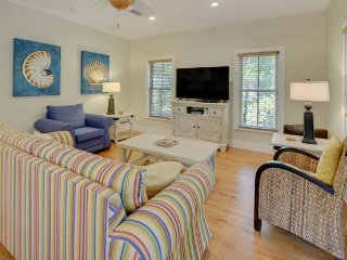 SEACREST BEACH cottage 3Bed 3Bath 4 min walk beach, 1 min walk pool from $115/nt