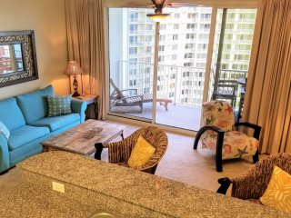 Beautifully decorated 13th floor 1 bedroom at Shores of Panama.