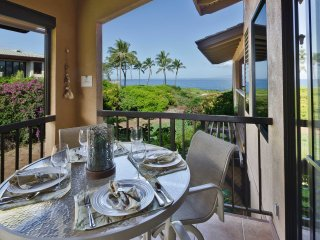 The double lanai is great for grilling & dining.  We have views of the island of Lanai  & Haleakala.