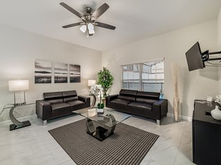 4 bedrooms in the best location!, Kissimmee