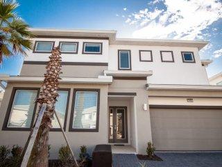 6 bedroom luxury home at Sonoma Resort, Kissimmee