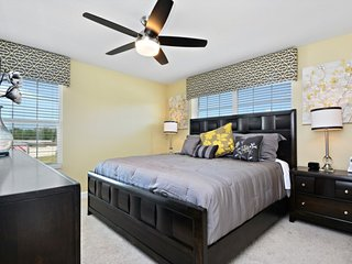Amazing 5 bedrooms villa just besides Disney, Kissimmee