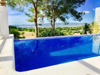 Villa con piscina infinity cerca de San Antonio