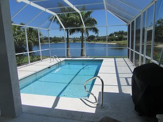 Lakefront house for rent in beautiful Naples, easy reach of 5th Avenue.