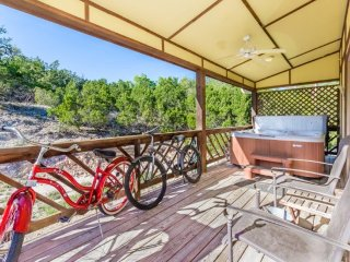 Appian Way Tuscan Country Property w/HotTub & View