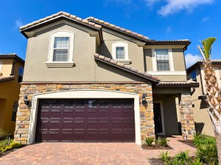NEW 7 BR 5.5Bath pool home in Windsor at Westside- lazy river- from $205/night