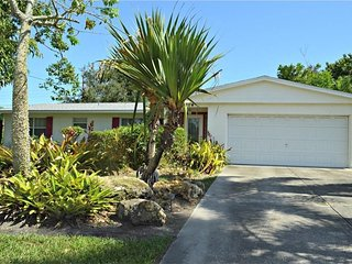 Lovely Siesta Key & Sarasota 3 bedroom home - Less than 3 miles to Siesta Key