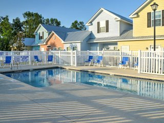 NEW! 3BR Myrtle Beach Cottage - Walk to Beach!