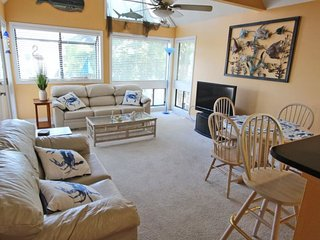 Bright and Sunny... Tastefully Decorated 25603, Myrtle Beach