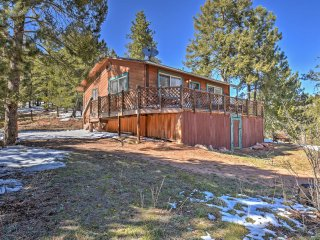 NEW! 2BR Divide Cabin w/ Deck and Mountain Views!
