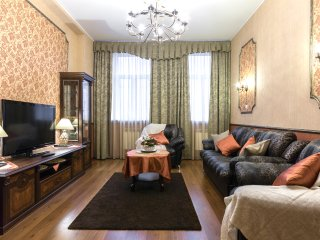 Beautiful 2-room apartment on Nevsky prospect